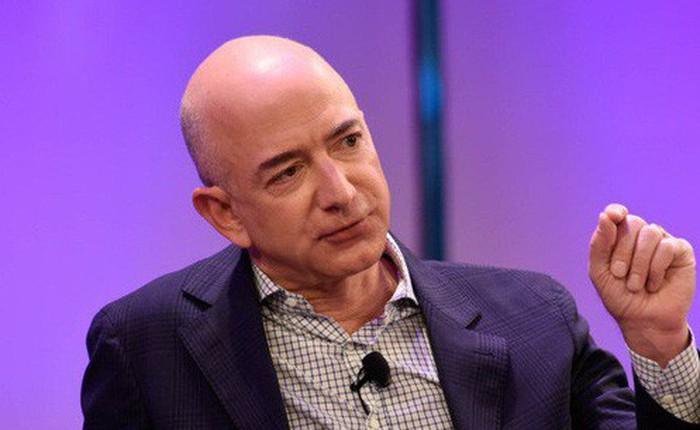 """20 câu nói """"kinh điển"""" suốt hơn 2 thập kỷ qua chứng tỏ sự thông minh cực đỉnh của ông chủ Amazon"""