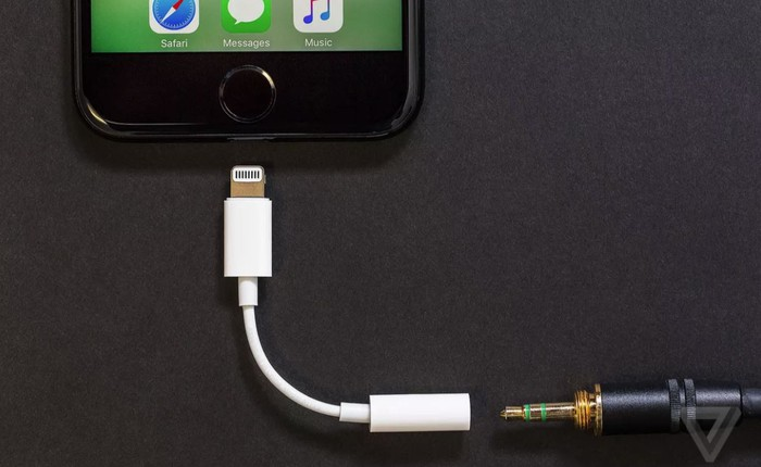 Apple sẽ không tặng kèm adapter Lightning - 3.5mm, muốn mua thì phải bỏ ra 9 USD nhé