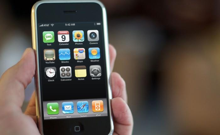 Nhìn lại 11 năm trước: Apple từng giảm giá iPhone 200 USD khiến iFan giận dữ và cực lực phản đối