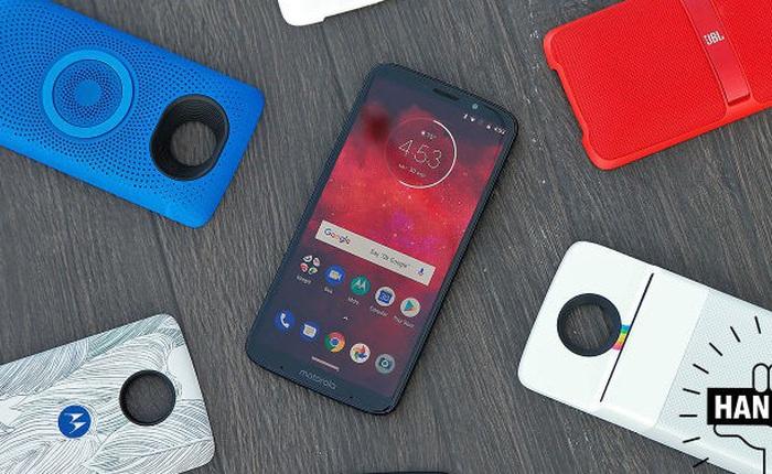 Cố đấm ăn xôi với thiết kế dạng module, liệu Motorola Z3 Play có làm nên sự khác biệt?