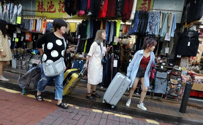 Luật thương mại điện tử mới của Trung Quốc bắt buộc người bán hàng xách tay phải đăng ký kinh doanh và nộp thuế
