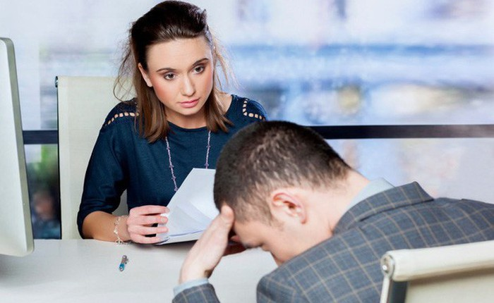 Nhìn vào mắt nhau khi trò chuyện sao lại khó đến thế? Hóa ra không phải là vì bạn thiếu tự tin đâu