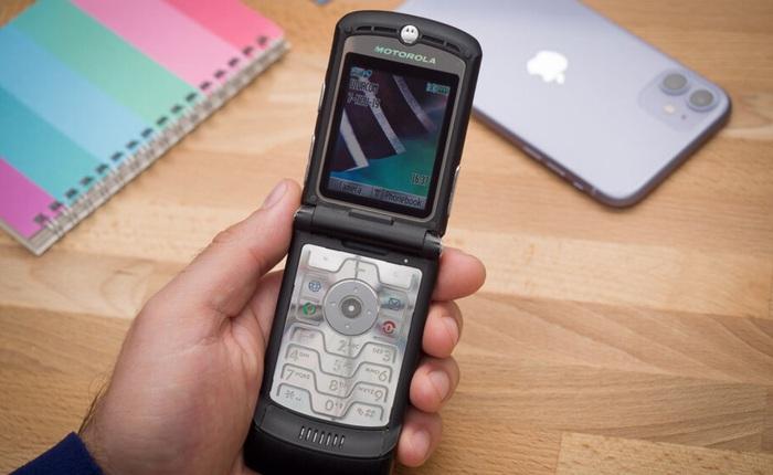 """Nhìn lại Motorola RAZR V3: Chiếc """"dao cạo"""" cao cấp trong mơ của nhiều người"""