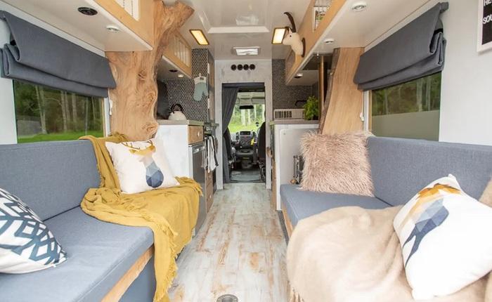 Nhìn không gian sống này bạn có tin là đang ở trong một chiếc xe cứu thương?