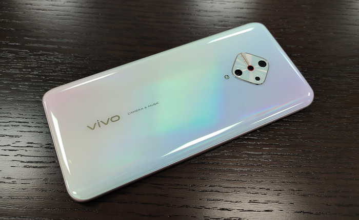 Vivo V17 lộ hình ảnh thực tế với cụm camera sau hình kim cương