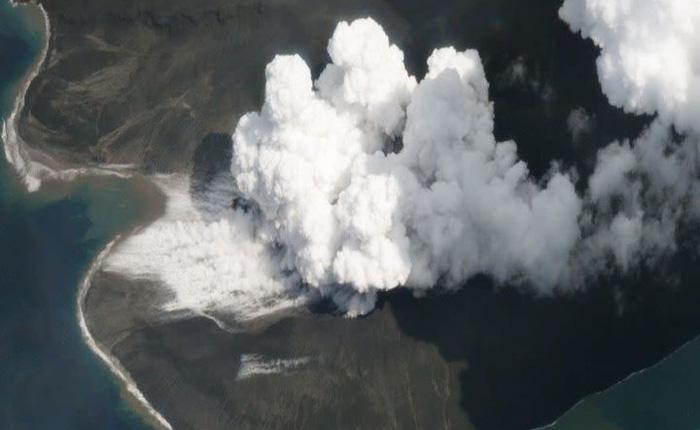 Nghiên cứu mới: Vụ phun trào núi lửa Indonesia năm 2018 đã tạo ra sóng thần cao ít nhất 100 m
