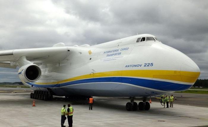 """Tìm hiểu đôi nét về Antonov An-225, siêu máy bay vận tải được mệnh danh là """"chú chim"""" lớn nhất bầu trời"""