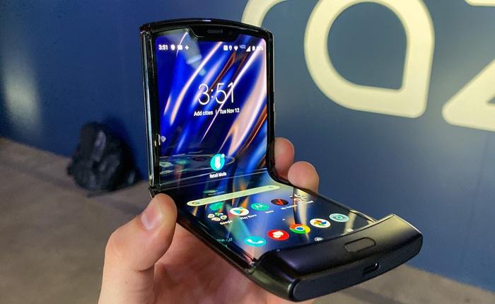 Nhu cầu cao vượt dự kiến, Motorola hoãn ra mắt chiếc điện thoại màn gập Razr