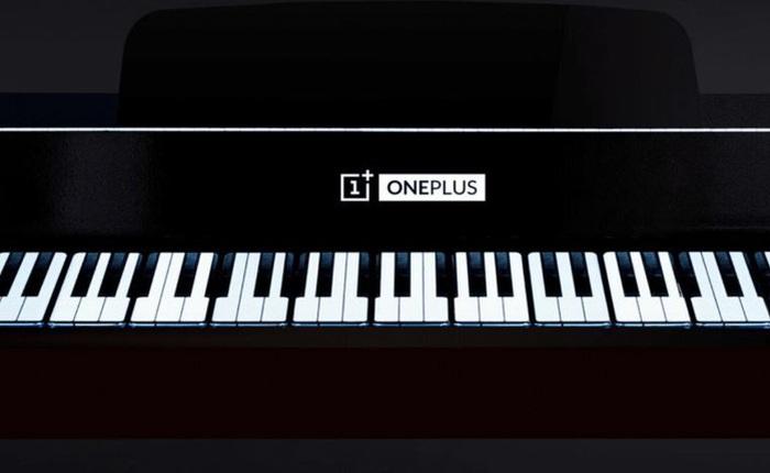 """OnePlus """"chơi trội"""" khi dùng 17 chiếc smartphone 7T Pro thay cho phím đàn piano, vẫn đánh nhạc ngon lành"""