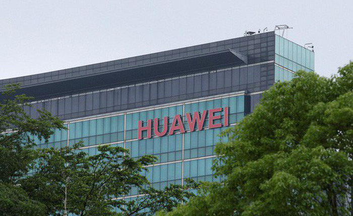 """Đánh """"đầu rồng"""" Huawei, TT Trump khiến cả thành trì công nghệ của Trung Quốc chao đảo ra sao?"""