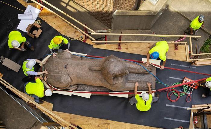 Đây là cách mà người ta di chuyển một tượng Nhân sư nặng 12 tấn
