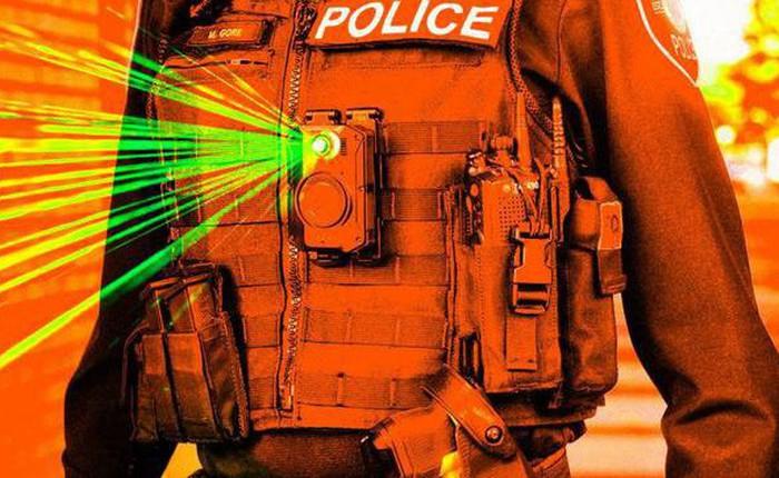 Nhà sản xuất camera gắn thân cho cảnh sát Mỹ dừng cung cấp công nghệ nhận dạng khuôn mặt vì lo cảnh sát sẽ bắt nhầm
