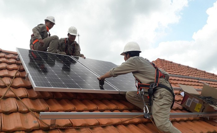 Điện mặt trời tiết kiệm cho gia đình bạn bao nhiêu trên hóa đơn tiền điện?