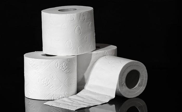 """Thời cổ đại khan hiếm giấy, giới nhà giàu và vua chúa Trung Hoa dùng gì sau khi """"đi cầu""""?"""