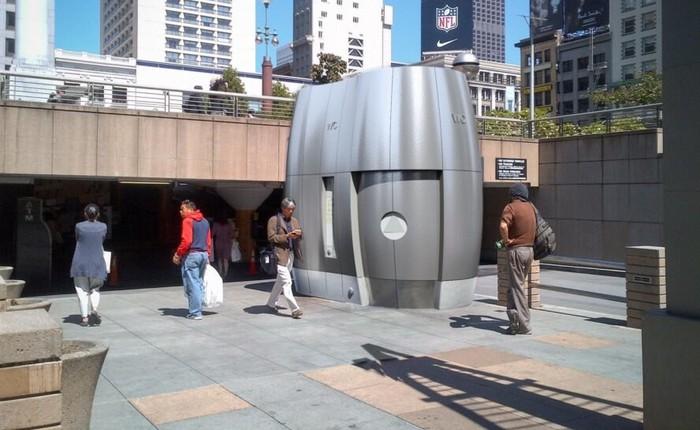 Bồn cầu công cộng công nghệ cao ở San Francisco có thể tái sử dụng nước mưa