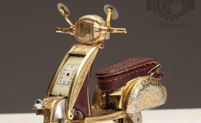 Không nỡ vứt mảnh đồng hồ cũ, chàng trai bèn độ nó thành loạt tác phẩm nghệ thuật đẹp mê hồn