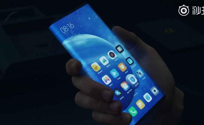"""Sếp Huawei chê Mi Mix Alpha """"không thực tế"""", sếp Xiaomi liền dè bỉu Mate 30 RS"""