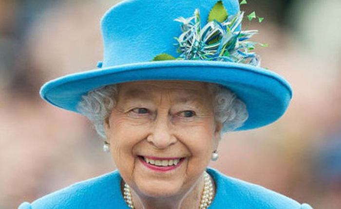 """Góc tuyển dụng: Nữ hoàng Anh đang tuyển một bậc thầy """"sống ảo"""" để chăm sóc các fanpage Hoàng gia, mức lương lên đến 1,5 tỷ"""