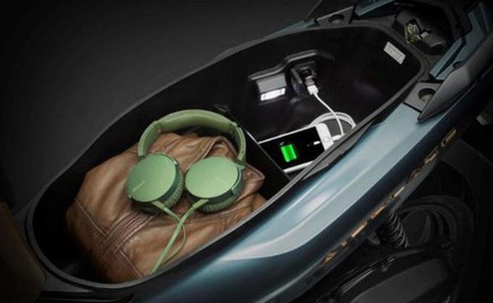 Sạc điện thoại trong cốp xe: Điểm mới của Honda Air Blade 2020 khiến nhiều người ái ngại và tranh cãi xôn xao