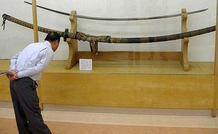 Giải mã bí ẩn thanh kiếm Nhật dài 3,7m, nặng gần 15kg, từng bị nghi là vũ khí của người khổng lồ