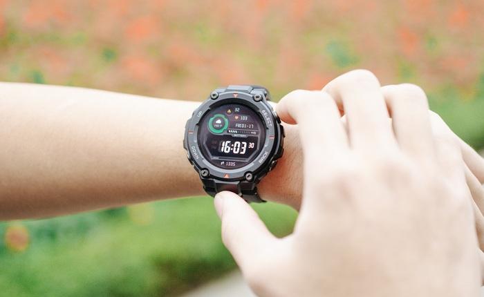 """Trên tay Amazfit T-Rex: Smartwatch """"nồi đồng cối đá"""" dành cho dân phượt, thiết kế giống G-Shock, giá 3.2 triệu đồng"""
