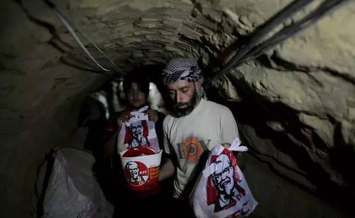 Tại Trung Đông, gà rán KFC cũng trở thành mặt hàng để người ta đánh đổi cả tính mạng để buôn lậu
