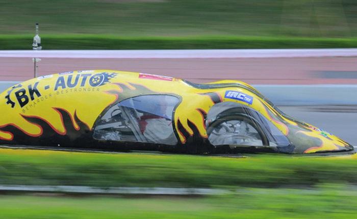 Sinh viên Bách Khoa chế tạo xe siêu tiết kiệm xăng, đi 400km chỉ tốn 1 lít
