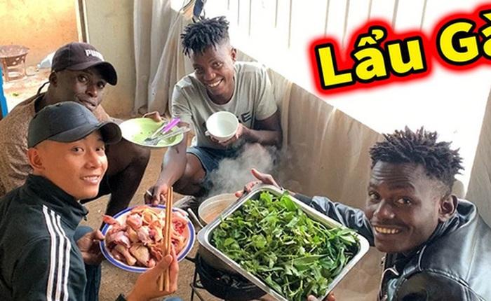 Review cuộc sống ở châu Phi, youtuber Việt đạt 1 triệu đăng ký sau 1 năm, thu nhập vài trăm triệu/tháng, thường xuyên làm từ thiện cho người nghèo