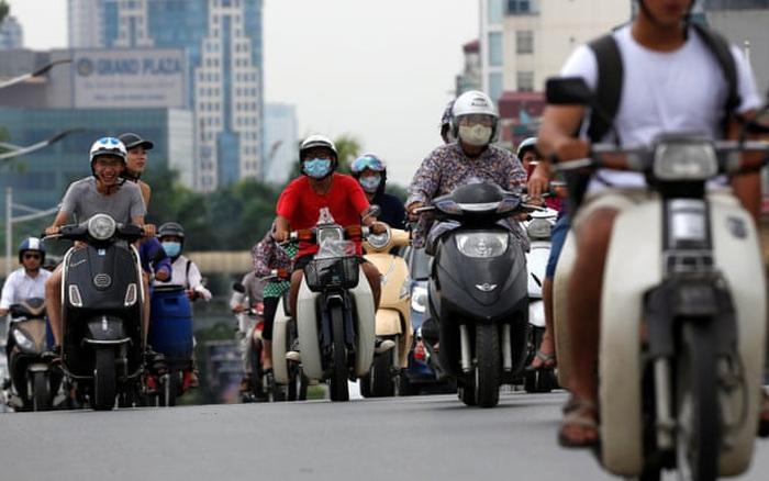 Nghiên cứu: Người đi xe máy ở Hà Nội đang bị phơi nhiễm carbon đen gấp 3 lần người đi xe bus