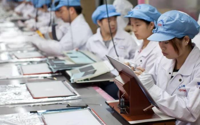 Không muốn trì hoãn ra mắt iPhone, Apple đã 'mắt nhắm mắt mở' cho phép các nhà cung cấp vi phạm luật lao động