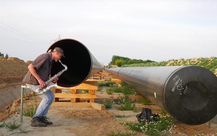 Đây là lý do duy nhất giúp những đường ống dẫn dầu nhạt nhẽo không ai thèm để ý trở nên viral trên Internet