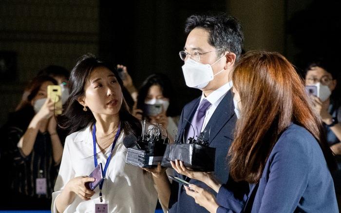 """Tòa án bác bỏ lệnh bắt giữ """"Thái tử"""" Samsung"""