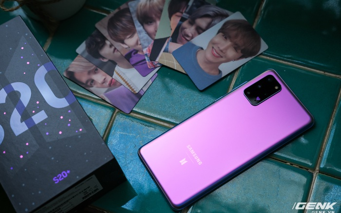 Mở hộp Galaxy S20+ phiên bản BTS: Màu tím hồng dễ thương, nhiều quà kèm theo dành riêng cho các fan A.R.M.Y