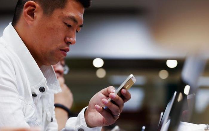 Công ty Trung Quốc sa thải nhân viên sử dụng iPhone, trợ giá 15% nếu mua điện thoại Huawei