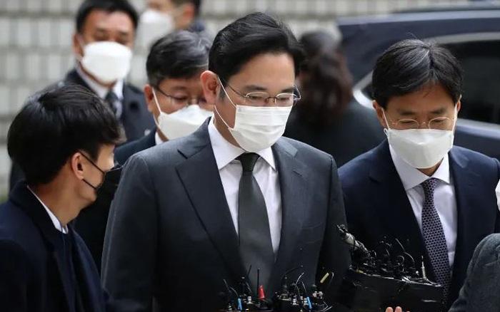 Người thừa kế Samsung lên tiếng xin lỗi vì lại phải ngồi tù, yêu cầu nhân viên hãy tiếp tục làm việc