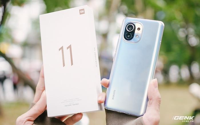 Trên tay Xiaomi Mi 11 tại VN: Smartphone đầu tiên với chip Snapdragon 888, giá 16 triệu đồng