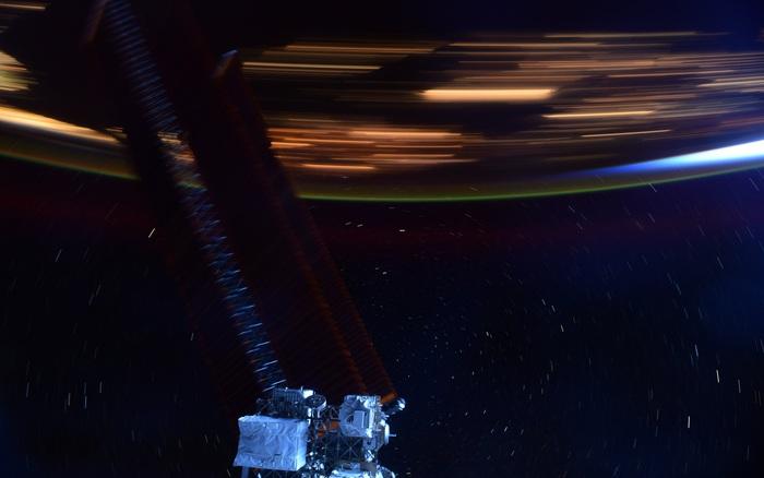 Hình ảnh này sẽ giúp bạn hình dung Trạm vũ trụ quốc tế ISS di chuyển với tốc độ 28.000 km/h là nhanh như thế nào - kết quả vietlott 09022020