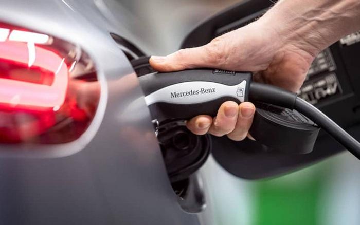 Cuộc cách mạng xe hơi sắp bắt đầu: Mercedes sẽ dừng sản xuất xe chạy xăng, chuyển hoàn toàn sang ô tô điện từ năm 2025