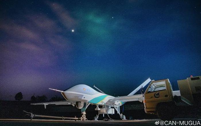 Trung Quốc phóng UAV đặc dụng, cung cấp Internet 'từ trên trời' cho người dân vùng lũ