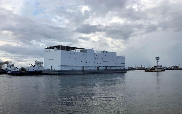 Hải quân Mỹ chế tạo sà lan lấy cảm hứng từ tàu của Noah, làm khách sạn cho hàng trăm binh sĩ