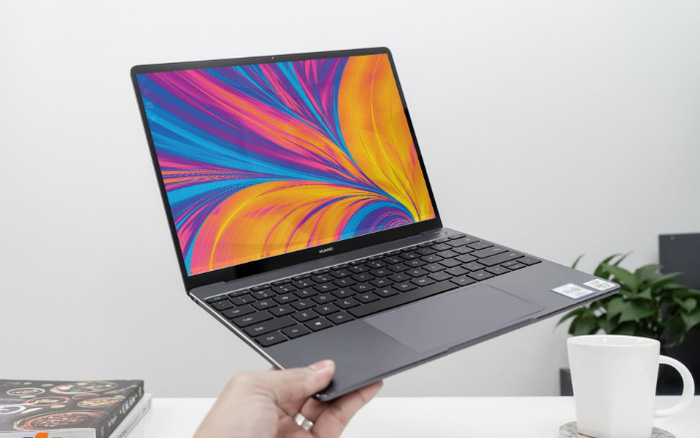 Nhận ngay loa bluetooth gần 7 triệu khi đặt trước Huawei MateBook 13 tại FPT Shop - ảnhchụplén