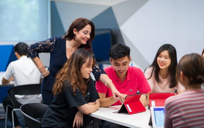 Trường Đại học Anh Quốc Việt Nam nâng giá trị quỹ học bổng và hỗ trợ tài chính trong năm học 2021 lên tới 53 tỷ đồng.