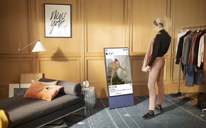 """Để trải nghiệm giải trí trên smartphone thời 4.0 """"vượt xa trí tưởng tượng"""" bằng khung hình lên tới 43 inch"""