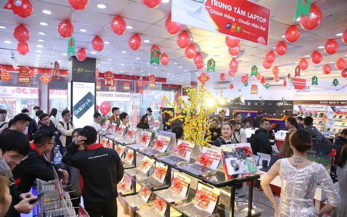 Mừng ngày lễ lớn, FPT Shop 'mạnh tay' giảm đến 10% cho hàng loạt laptop gaming cao cấp